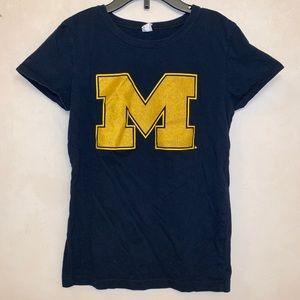 3/$15 🔥 Girl's size 10/12 Michigan T-shirt